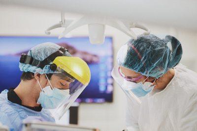 Porque é que em alguns casos de Reabilitação Oral os dentes ficam com um aspecto artificial? - Luís Leão - Cerejeira Leão