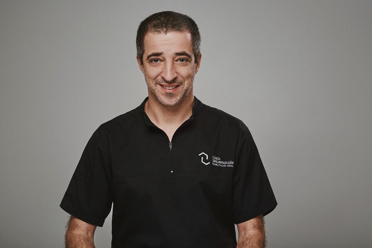 Será que os implantes são para toda a vida? Dr. Luís Leão